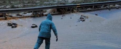 sardegnacleopatra1.jpg 1535498604 Rassegna stampa del 19 novembre 2013: il ciclone Cleopatra fa strage in Sardegna, fascicolo Cancellieri, Renzi vince nei circoli Pd