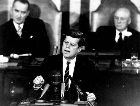 791px-Kennedy_Giving_Historic_Speech_to_Congress_-_GPN-2000-001658