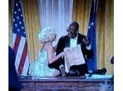 "Lady Gaga Marilyn Monroe nello studio ovale. ""presidente"" R.Kelly (video)"