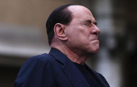 di Roberto Mollica Bisci Ed eccoci qui, a scannarci, a dannarci, ad esaltarci se fosse giusto o meno che oggi il Senato votasse per la decadenza di Silvio ... - la-decadenza-del-senatore-silvio-berlusconi-L-3mGdC8
