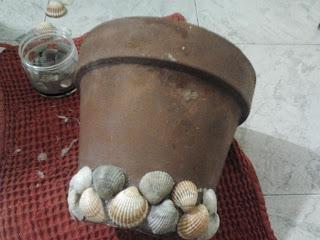 Come decorare un vaso di terracotta paperblog - Decorare vasi terracotta ...