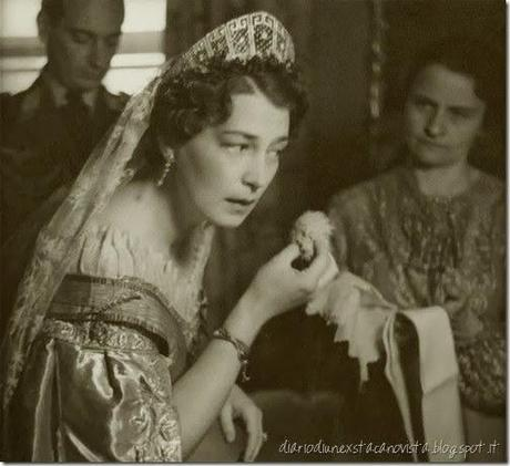 Pss Kira of Prussia (nee Pss Kira Kirillovna of Russia) powdering her face after the wedding to look radiant during the after wedding ceemony- photoshoot. 1938