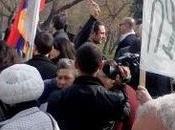 ARMENIA: solo Kiev: anche Yerevan scende piazza