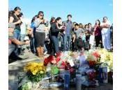 Paul Walker, dolore fan: fiori candele luogo della morte