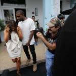 Kim Kardashian e Kanye West, shopping a Miami il giorno del black friday01
