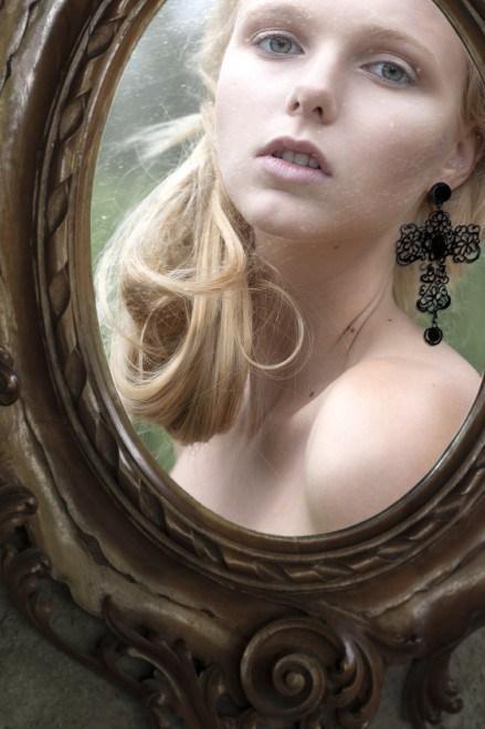 into-the-mirror-luca-meneghel3