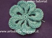 VIDEO tutorial semplice fiore all'uncinetto petali