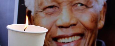 Rassegna stampa del 7 dicembre 2013: tributi a Nelson Mandela i funerali il 15 dicembre, Enrico Letta spinge per le riforme, Mondiali Brasile