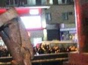 UCRAINA: milione piazza Kiev. Abbattuta statua Lenin sale tensione