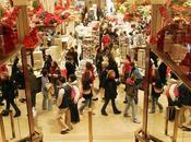 Shopping natalizio fonte stress: come sopravvivere alla caccia regalo