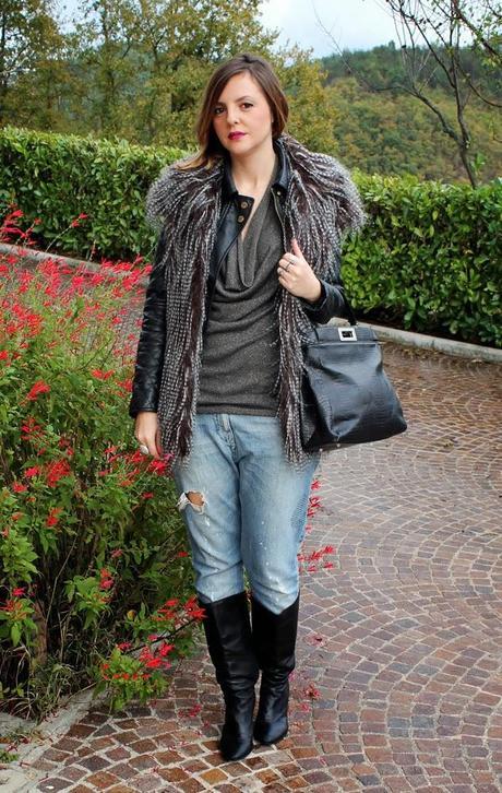 Outfit: Gilet di pelliccia ecologica e top in lurex Mia