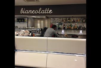 Biancolatte bistrot risto bar via dei mille 4 bologna for Il portico pizzeria bologna