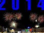 l'ultimo 2014 grande festa piazza Carlo dalle 22,30 'Garden Alibis', seguire `Giuliano Palma`.