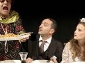 """nozze piccolo borghesi"""": scena farsa giovanile Bertolt Brecht, dicembre, Milano"""