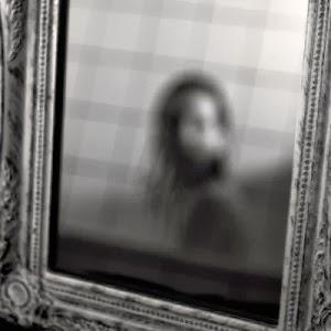 Risultati immagini per specchio riflesso
