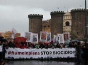"""Biocidio: Napoli """"Guerra aperta"""""""