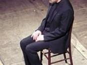 """sogno uomo ridicolo"""": recital Gabriele Lavia palco Teatro Petruzzelli Bari"""