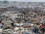 Abidjan (Costa d'Avorio /Dove passato futuro rispettosamente convivono