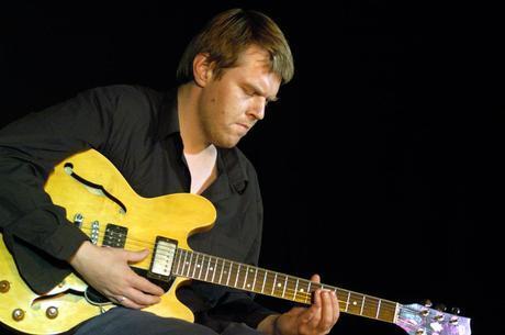 Download Podcast : la chitarra jazz di Noël Akchoté