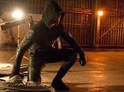 """Arrow Stephen Amell scena importante Oliver Laurel, disfatta Slade famiglia Queen"
