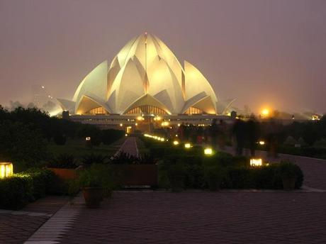 Lotus Temple (Delhi, India).