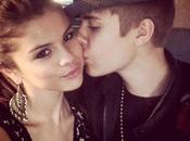 Selena Gomez Rehab abuso Ecstasy Xanax: tour cancellato