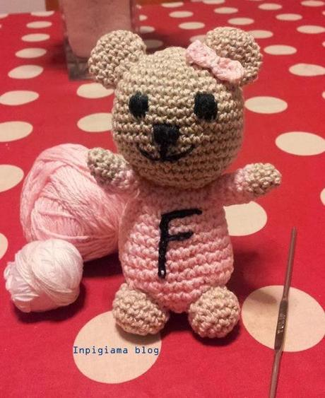 Orsetto AMIGURUMI - Crochet a Bear (with english pattern) - YouTube | 563x460