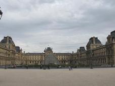 Parigi solo Louvre