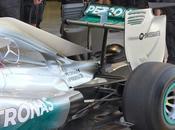 Test Bahrein Mercedes W05: modifiche monkey seat alla carrozzeria posteriore