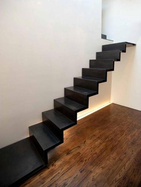 Scale sospese: spazio e luce per un ambiente di classe ...