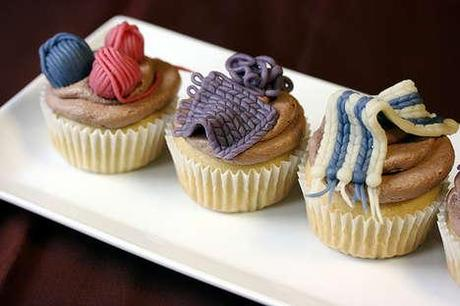 knitting-adorned-bakery-cupcakes-for-knit-night