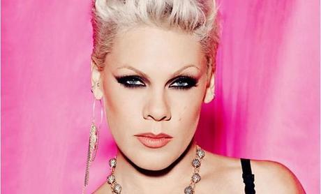La cantante Pink si esibirà dal vivo per la Notte degli Oscar 2014