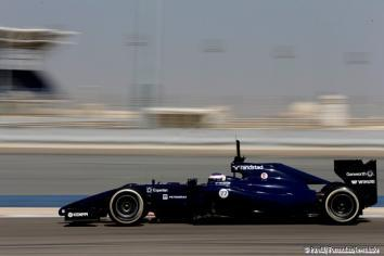 Valtteri Bottas (Williams) on track at the Bahrain International Circuit with P Zero White medium tyres
