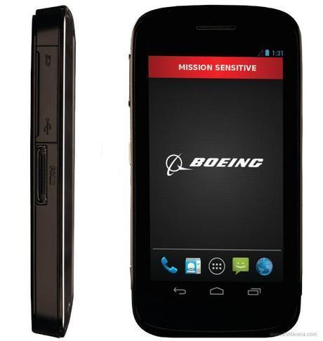 Boeing Black Boeing Black è lo smartphone Android in stile 007 news  sicurezza smartphone scheda tecnica disco criptato Boeing Black