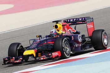 Ricciardo-Red-Bull_Test_day5_Bahrain_2014 (4)