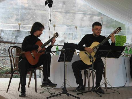 Download Podcast : Bach Guitar Duo in concerto