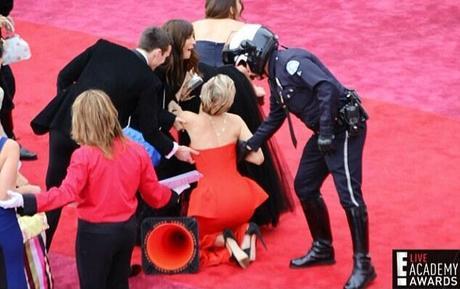 Caduta Oscar 2014 Jennifer Lawrence