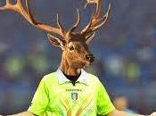 Istruzioni immaginarie troppo) agli arbitri italioti rendere brutte partite calcio.