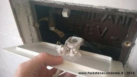 Scarico del wc che perde come ripararlo paperblog - Valvola chiusura acqua bagno ...