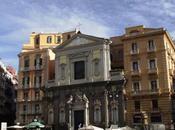 luoghi Napoli. traffico culturale Piazza Trieste Trento
