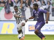 Juve vince vola via, Napoli batte Roma