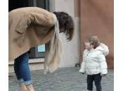 Luisa Ranieri gioca figlia Emma (foto)