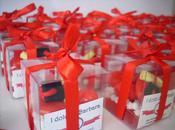 Confetti decorati laurea tocco pergamena