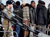 Augusta: immigrazione, protesta cittadini contro l'assegnazione Palajonio come rifugio profughi