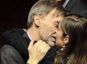 bacio l'abbraccio Maria Elena Boschi Delrio