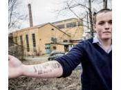 Norvegia, tatua scontrino McDonald's braccio (foto)