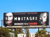 Hostages Crisis, serie cugine confronto