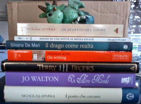 Blogger Love Project Day 1: Propositi + Mini Challenge #1 Book Spine Poetry + Following Chain