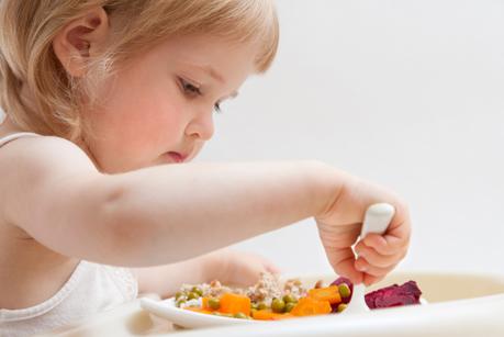 Mangiare da soli aiuta a non ingrassare