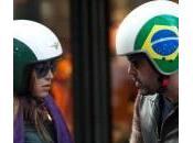 Cecilia Capriotti, shopping Gianluca: showgirl compra biker borchie
